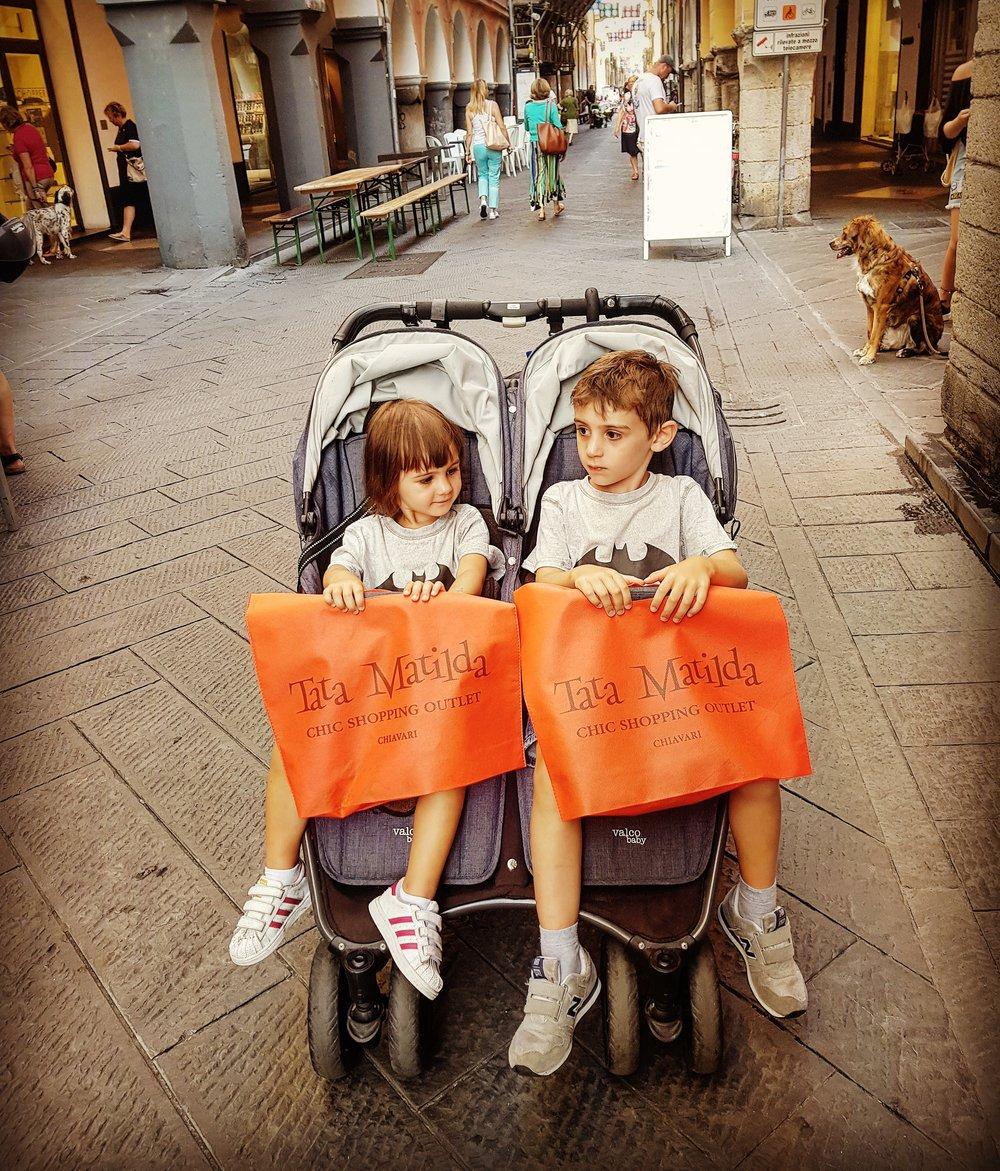 shopping-vacanza-sola-con-bambini-in-liguria