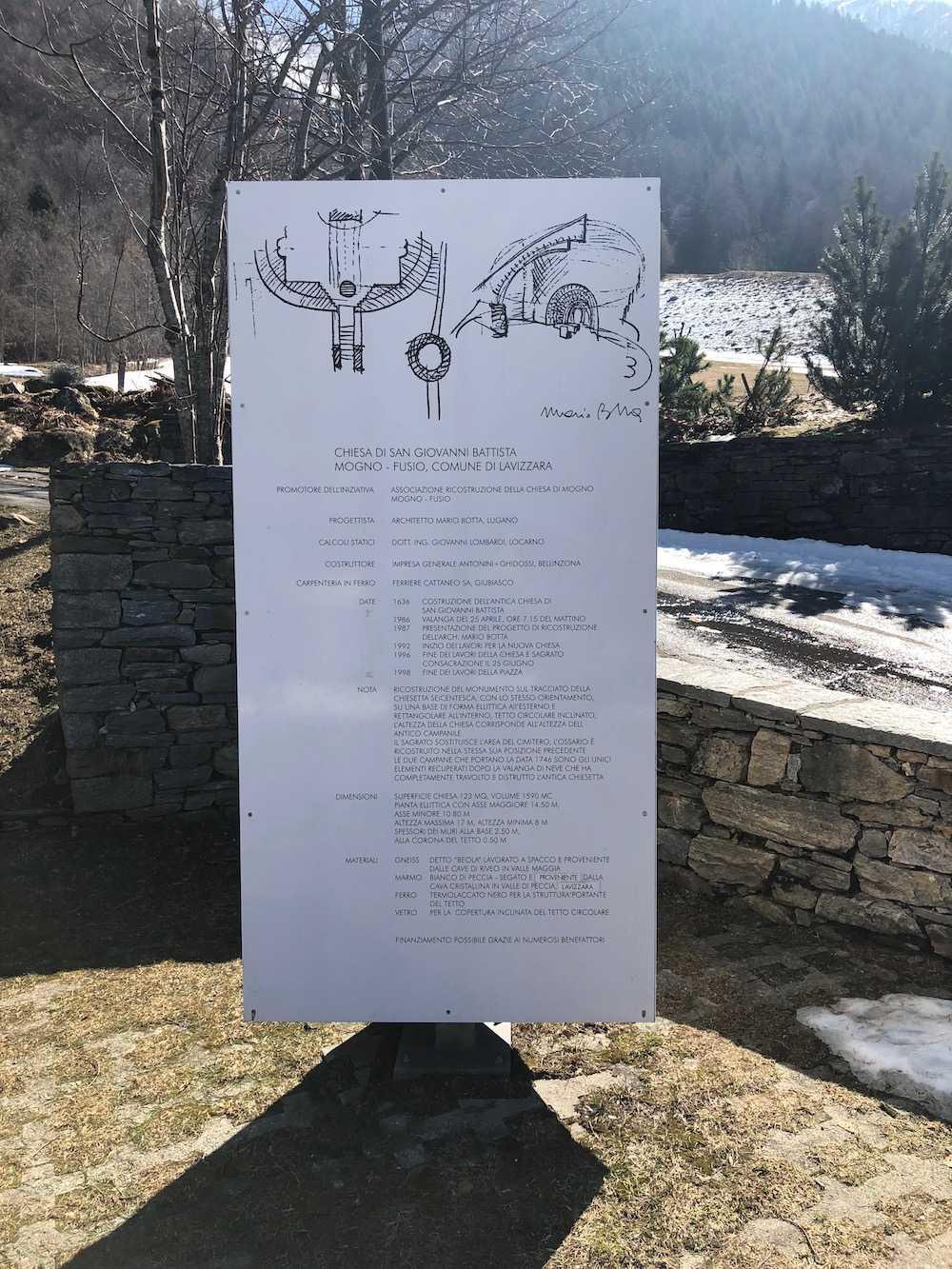 LA PARTICOLARE CHIESA ALPINA DELL'ARCHITETTO MARIO BOTTA A MOGNO 24