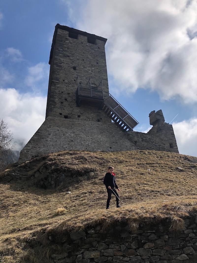 torre-Castello -di- Graines