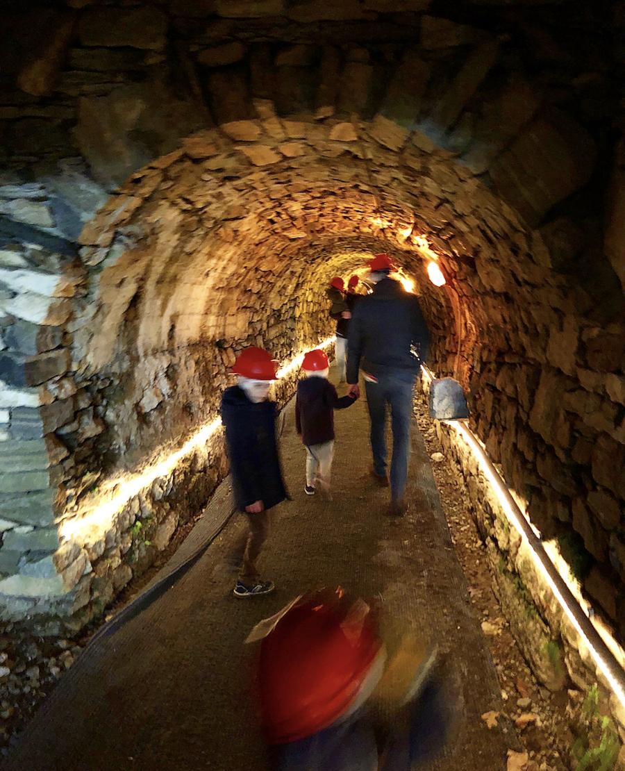 interno-grotta-di-babbo-natale