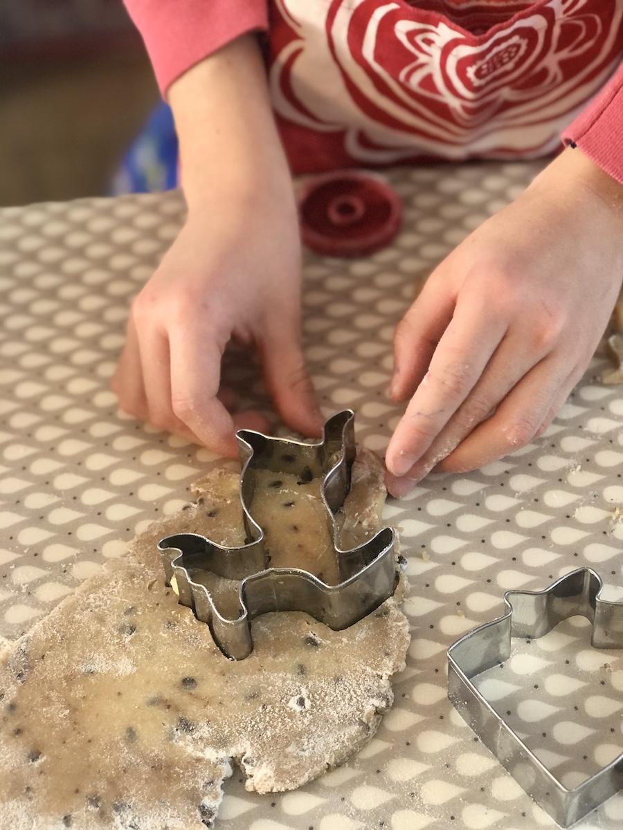 biscotti-di-Natale-da-fare-con-i-bambini-gocce-di-cioccolato