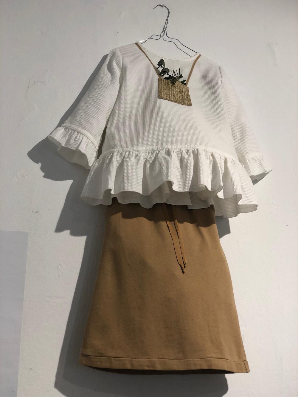 bianco-e-paglia-dettagli-outfit-bimba