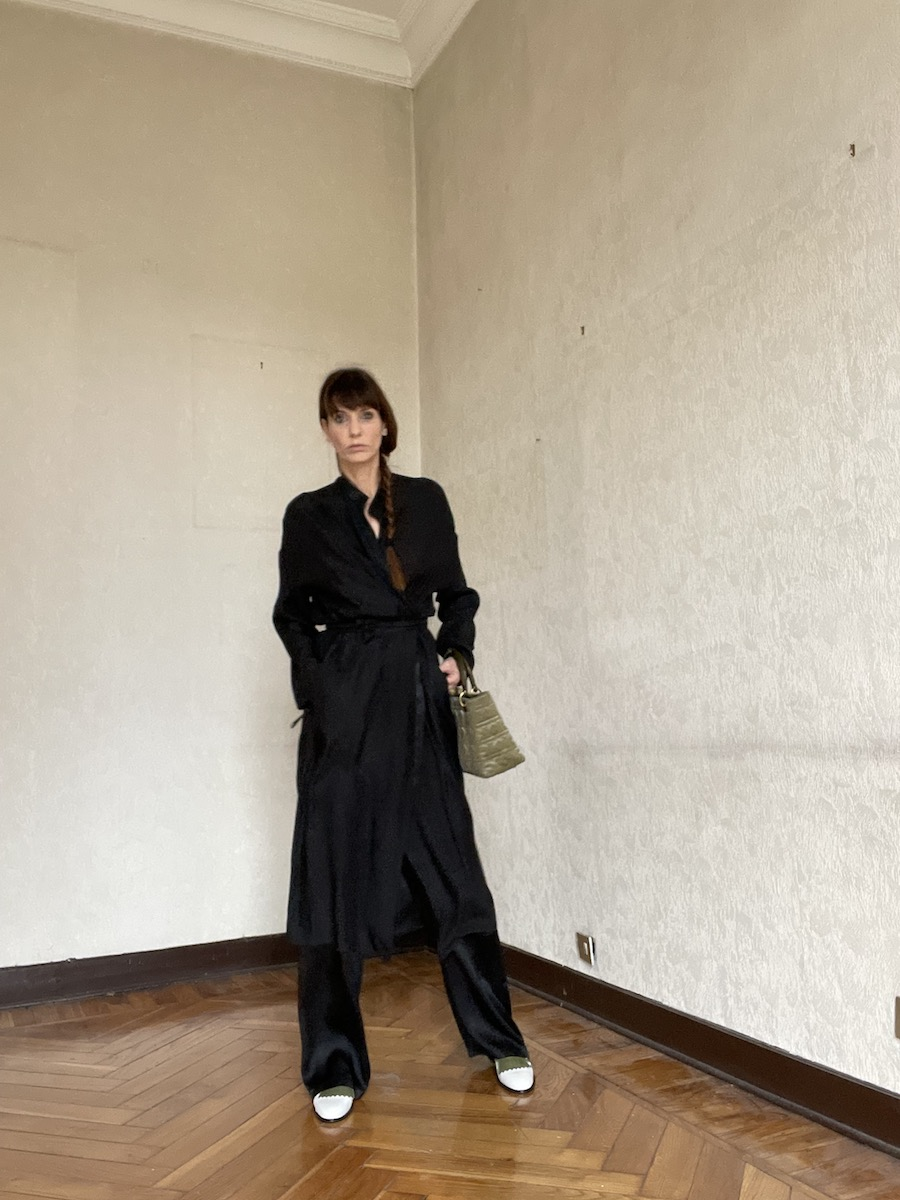 OUTFIT-DONNA-TOTAL-BLACK
